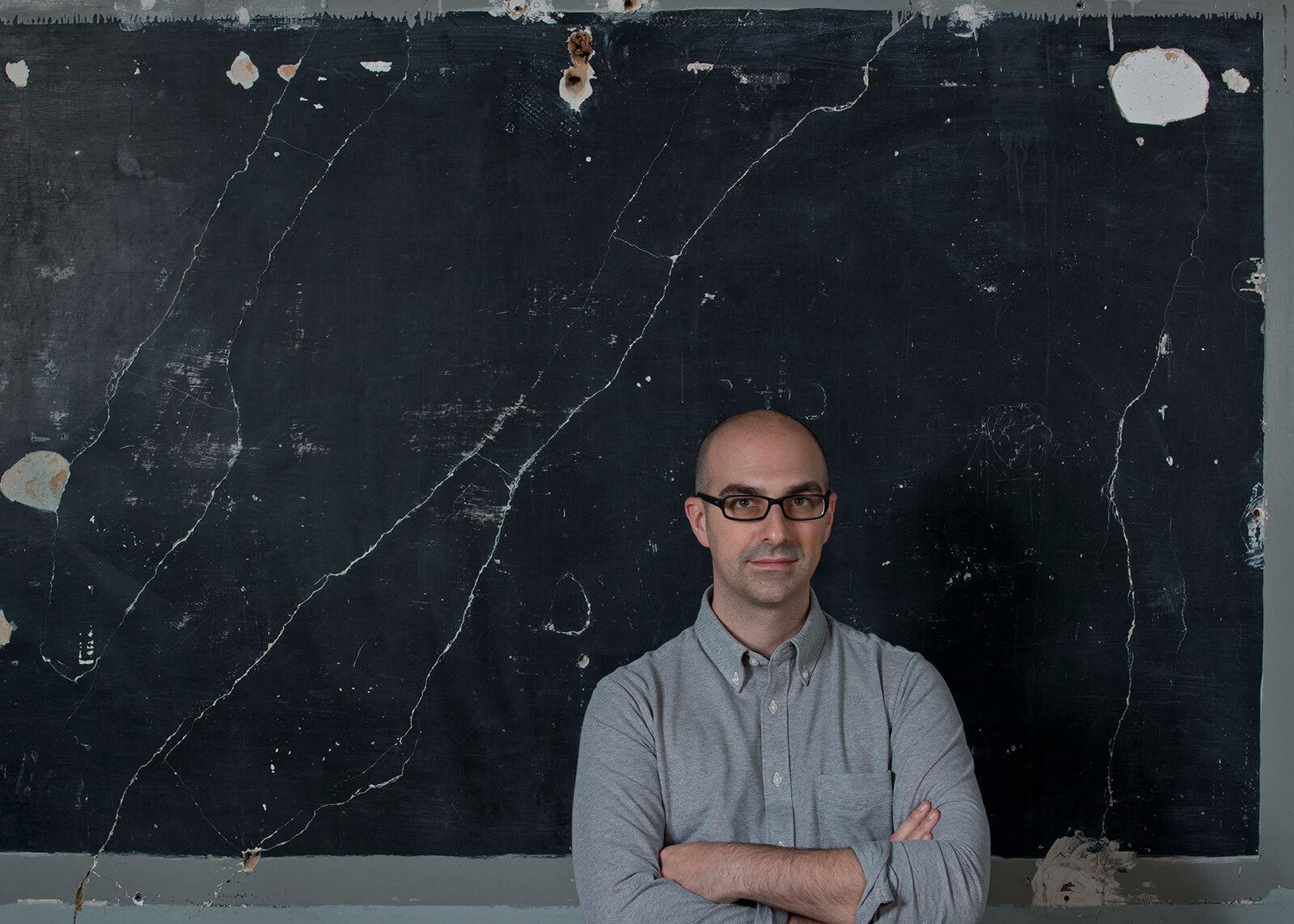 Fosco Lucarelli curador da exposição Espaço Interior